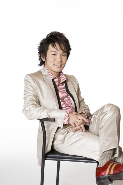 Takashi_Matsunaga_White_01